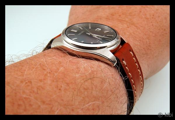 fec1efc7d00 A také je tu samozřejmě velikost hodinek. Ještě poměrně nedávno mělo běžné  pouzdro v průměru pouhých 34 – 38 mm – pak přišla osmdesátá léta a od té  doby ...